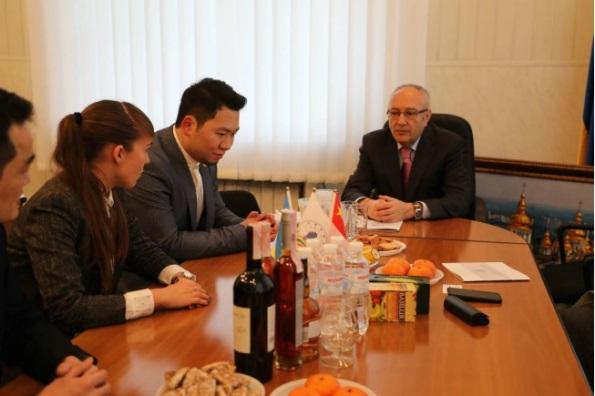 乌克兰留学中心正式代表格里埃尔基辅音乐学院在中国招生259.JPG