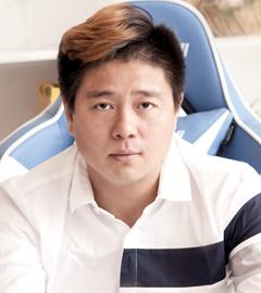 董事长-王辉