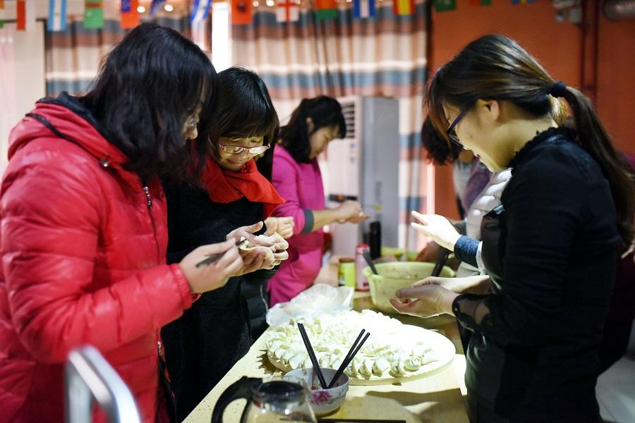 dc開關電源模塊天堂在线厂家年会包饺子活动